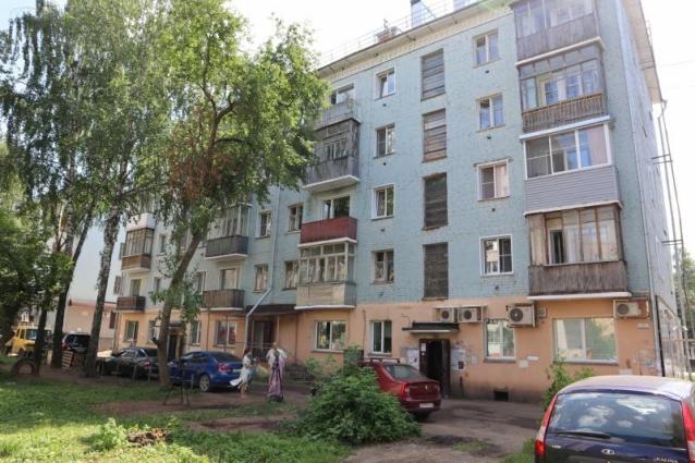 Фото После ремонта в доме на Воровского жители продолжают терпеть нашествие червей, тараканов и мух