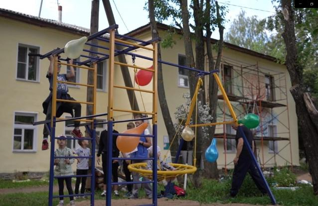 Фото Двор дома на Шинников, 4 преобразился в рамках проекта «Красота жизни»