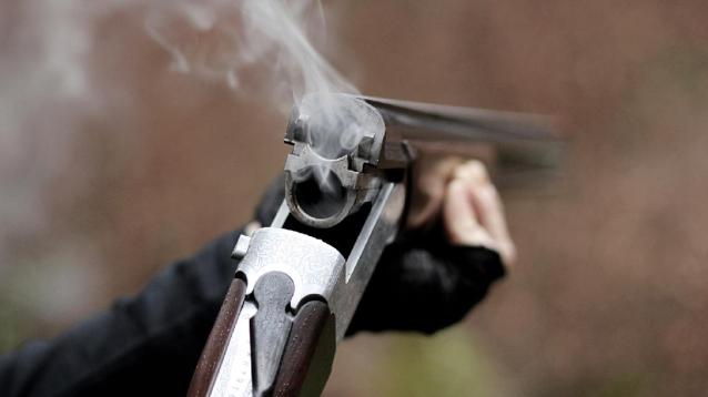 Фото В Коми на охоте мужчина застрелил товарища по неосторожности