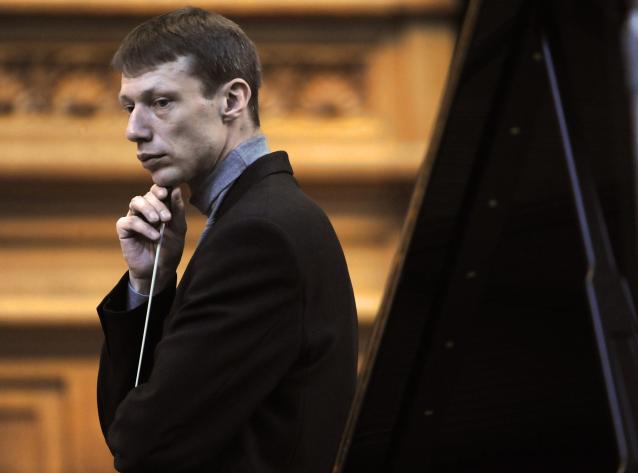 Фото Уволен главный дирижёр Вятского симфонического оркестра Константин Маслюк