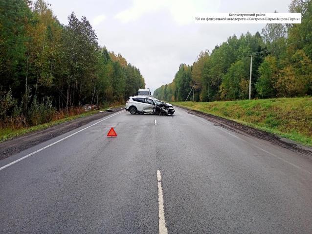 Фото Двое взрослых и младенец пострадали в результате ДТП в Кировской области