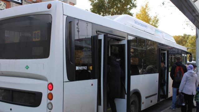 Фото В Сыктывкаре кондукторам нескольких автобусов пообещали дать новую работу