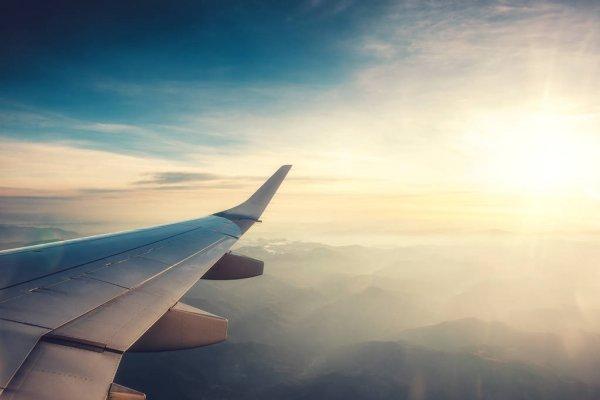 Фото В Сыктывкаре самолет не мог приземлиться из-за пьяных людей на полосе