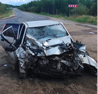 Фото Авария на трассе в Коми: в ДТП с большегрузом сильно пострадала девушка