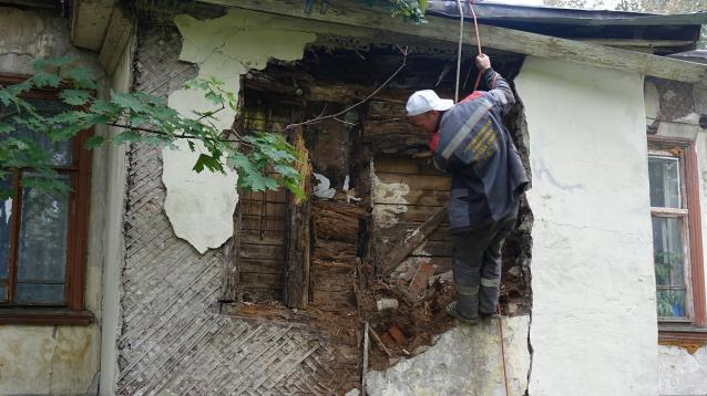 Фото В Кирове дом архитектора Чарушина временно обезопасили от обрушений