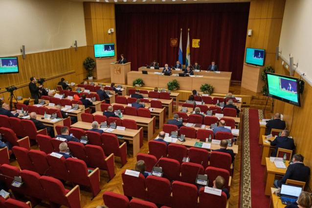 Фото В ОЗС назвали 12 депутатов с самой высокой явкой на заседания