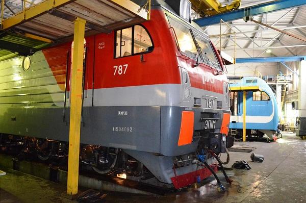 Фото В локомотивное депо Кирова поступят два новых электровоза