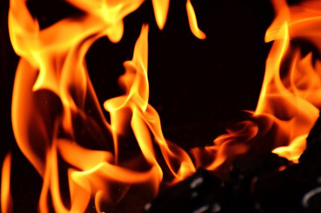 Фото В Сыктывкаре на пожаре по улице Мира погиб мужчина