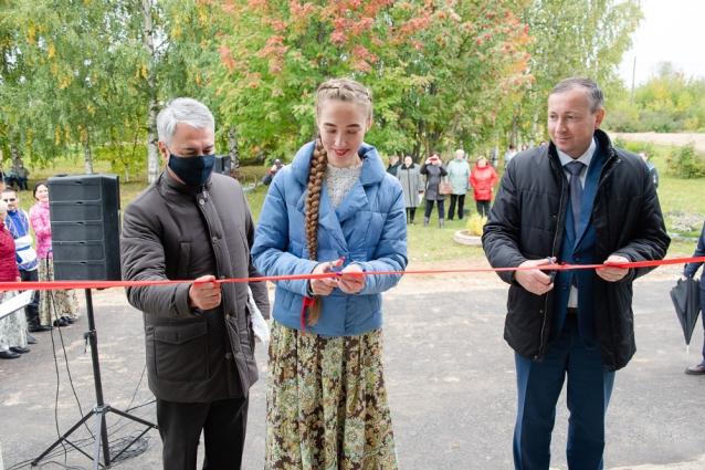 Фото Рахим Азимов принял участие в открытии Кордяжского ДК после ремонта