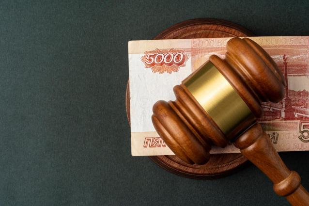 Фото В Кирове бывший сотрудник АТП получал взятки за заключение договоров поставки автозапчастей