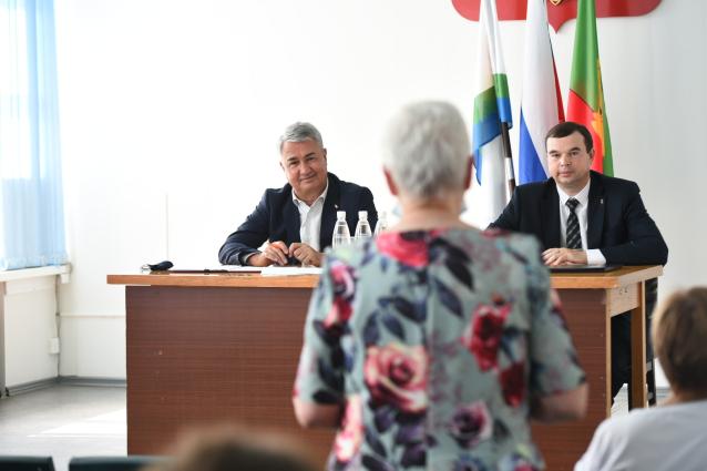 Фото Рахим Азимов посетил с рабочим визитом Афанасьевский район