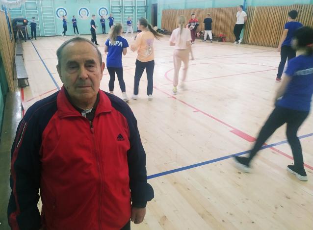 Фото Учитель из Котельнича посвятил школе почти 60 лет