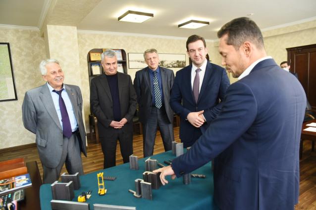 Фото Руководители департаментов Минпромторга России посетили кировские предприятия