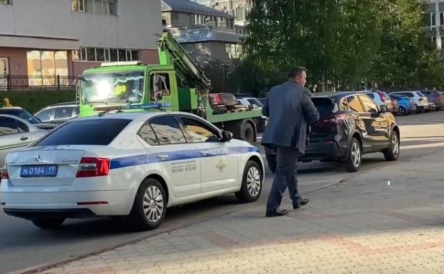 Фото Главу Минприроды Коми наказали за неправильную парковку