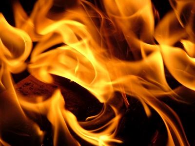 Фото Под Усинском загорелся автомобиль УАЗ