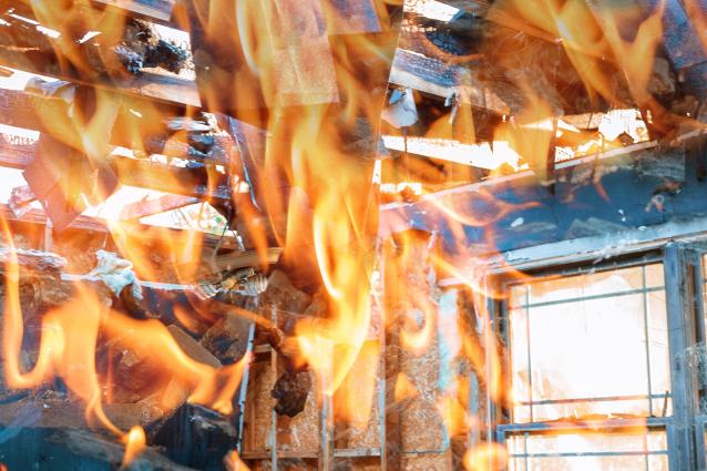 Фото В Кирове пенсионерка погибла при пожаре в садовом доме