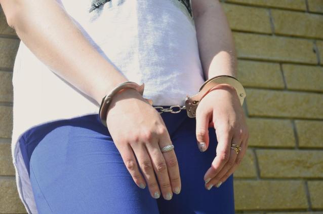 Фото 17-летняя кировчанка предстанет перед судом за незаконный оборот наркотиков