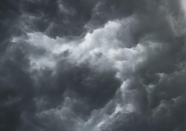 Фото  В Коми объявили метеопредупреждение из-за гроз и усиления ветра