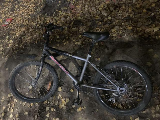 Фото В Сыктывкаре иномарка сбила 9-летнего мальчика на велосипеде