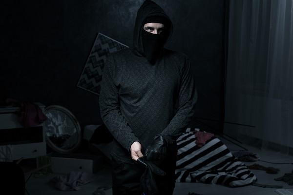 Фото Ранее судимый житель Омутнинска вновь предстанет перед судом за кражу