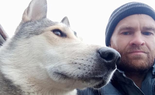 Фото «Верил, что она рядом». Житель Кировской области, нашедший свою собаку спустя 2,5 года после её пропажи, рассказал о счастливой встрече